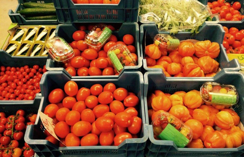 La glanerie une ferme bio o les clients cueillent leurs fruits et l gumes - Acheter des grenades fruits ...