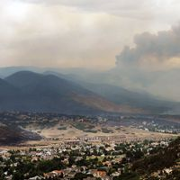 Le feu menace les collines de Colorado Springs, mercredi