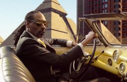 SF et film d'époque pour le clip à grand spectacle de Snoop, Pharrell et Stevie Wonder