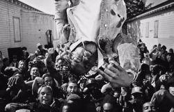 Kendrick Lamar lévite dans un somptueux clip en noir et blanc