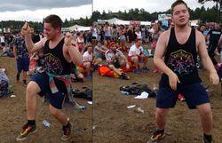 Dans le public, il danse sur Uptown Funk et il est juste merveilleux