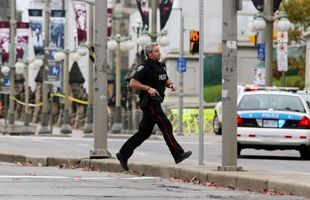 Fusillade à Ottawa: un militaire et un assaillant tués