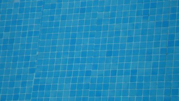 Uccle la piscine longchamp est ferm e pour une dur e for Piscine longchamps