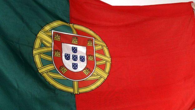 Le portugal appelle l 39 aide financi re de l 39 europe rtbf - Drapeau portugais a imprimer ...