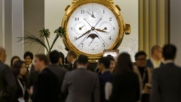 Le plus grand salon de l 39 horlogerie s 39 est ouvert b le - Salon de l horlogerie ...