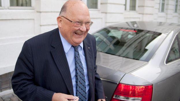 """J.-L. Dehaene: le monde politique salue le """"père de la Belgique fédérale"""""""