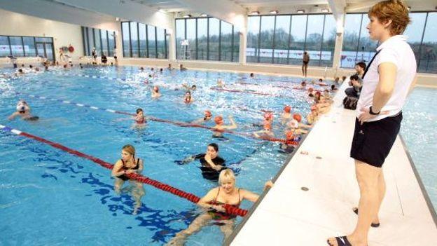 Le chlore bient t plus obligatoire dans les piscines wallonnes for Chlore dans la piscine