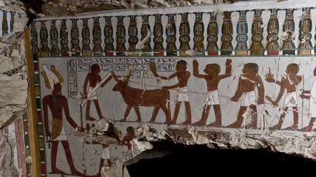 DÉCOUVERTES DE NOUVELLES TOMBES EN EGYPTE 4ca76e0af7d3015e222029ce967f450f-1426014251