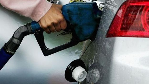 Carnet du monde : augmentation du prix de l'essence au venezuela