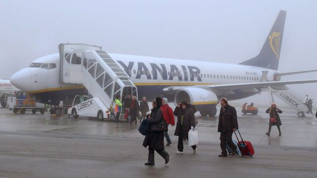 Ryanair va engager notamment charleroi rtbf economie for Interieur avion ryanair
